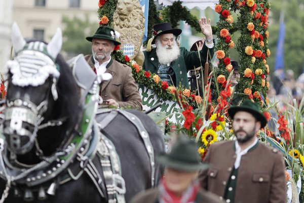 Munich Oktoberfest begins amid strict security measures
