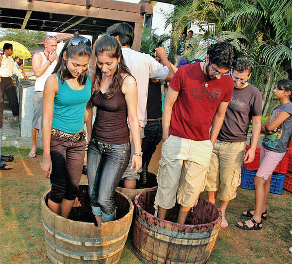 Give your friend the perfect send-off into married life at Nashik, Goa or Lakshadweep