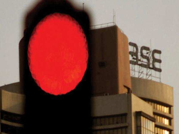 Watch: Sensex tanks 448 pts on global sell-off, falling rupee