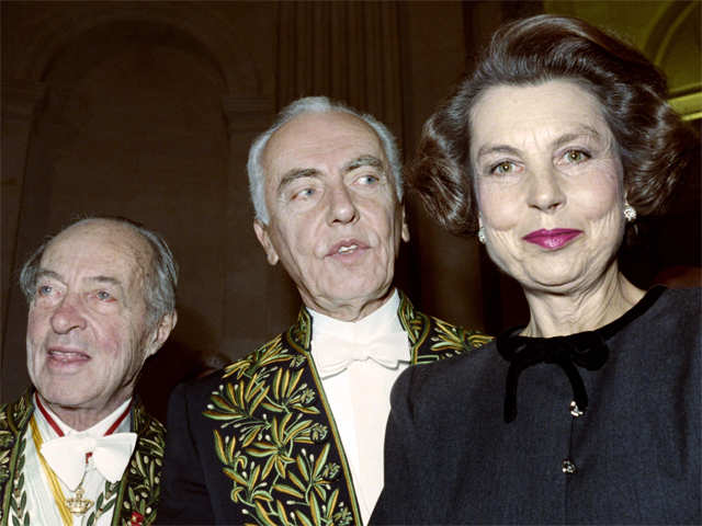 Piano-loving L'Oreal heiress becomes world's richest woman