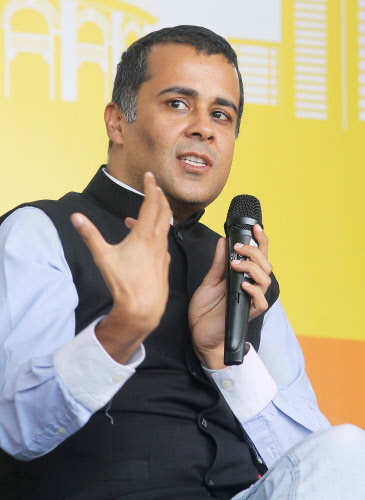 Delhi University syllabus won't include Chetan Bhagat books, Facebook post writing course