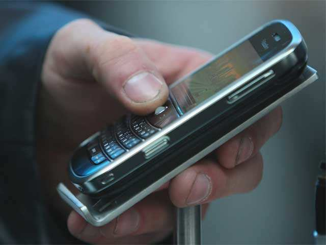 India to have 1500 mobile phone, ecosystem factories by 2020: IMC2017 thumbnail