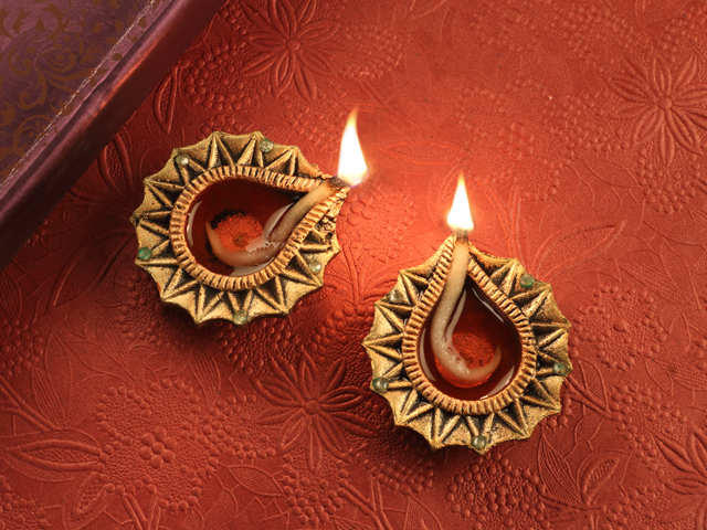 Give your home a festive makeover! Five design tips for a bright Diwali
