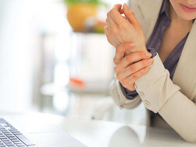 Lifestyle and work influence the development of arthritis. Those who are in a sitting job can develop arthritis in spine early.
