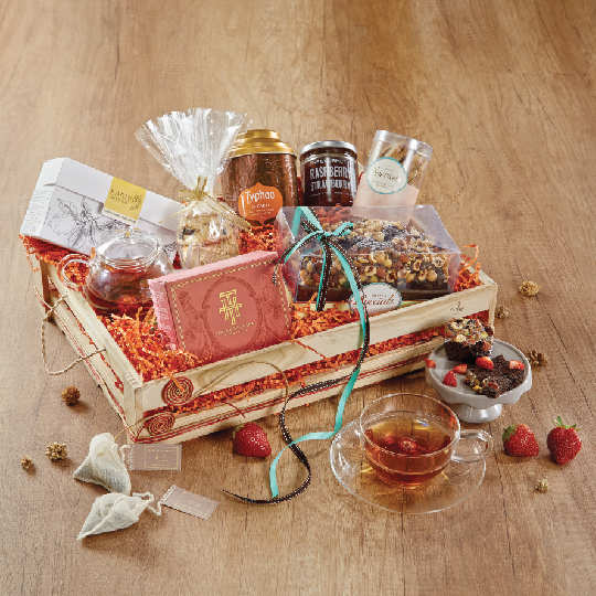 In case you are still hunting for the perfect Diwali gift, here are the best hampers this season