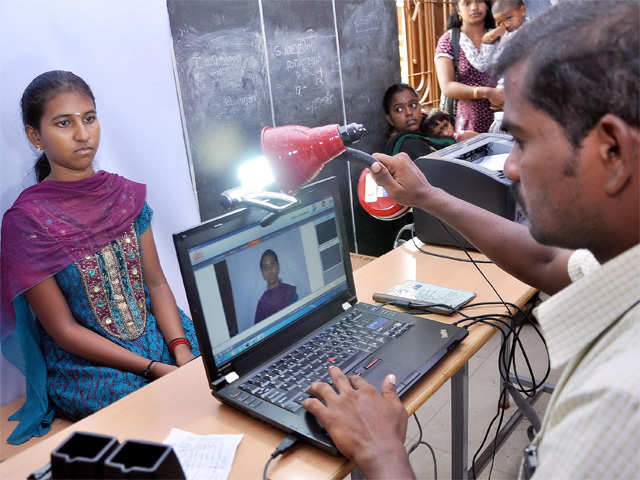 Only 2,300 bank branches open Aadhaar centres on premises thumbnail
