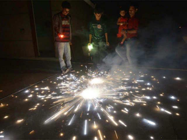Data shows cleaner, less noisy Diwali in Raipur, Bilaspur thumbnail