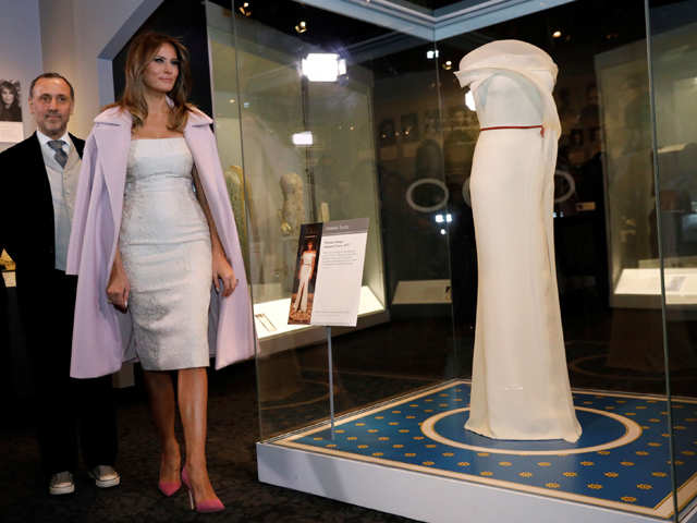 Melania Trump donates inaugural dress to national museum