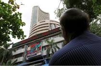 Sensex climbs 117 pts, Nifty tad below 10,200