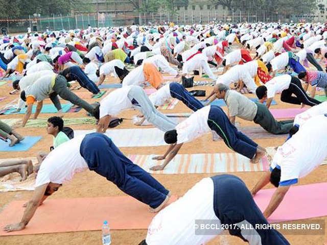 Saudi allows yoga practice as a sports activity thumbnail