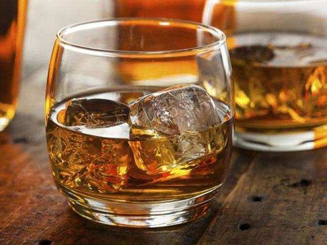 Whisky consumption has dropped, falling from a high of 43.2 million litres in 2014 to 38.7 million in 2016, data from industry monitor SAWIS shows.