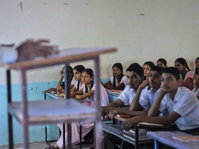Karnataka plans to provide skills to 1.88 cr youth: R V Deshpande thumbnail