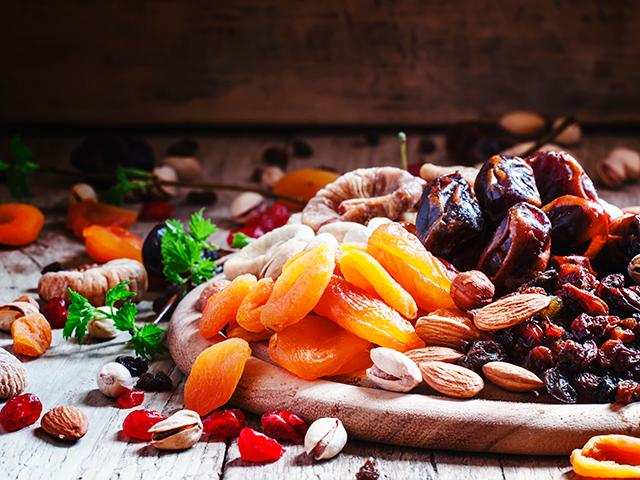 The omega-6 polyunsaturated fats found in nuts reduces the risk of developing diabetes.