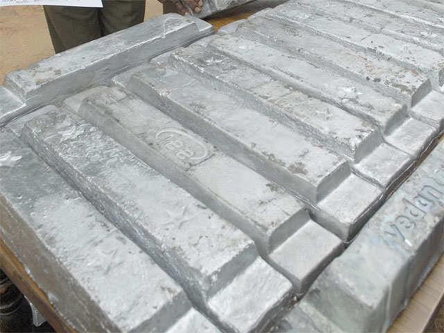 Base metals: Lead, nickel slide on weak demand thumbnail