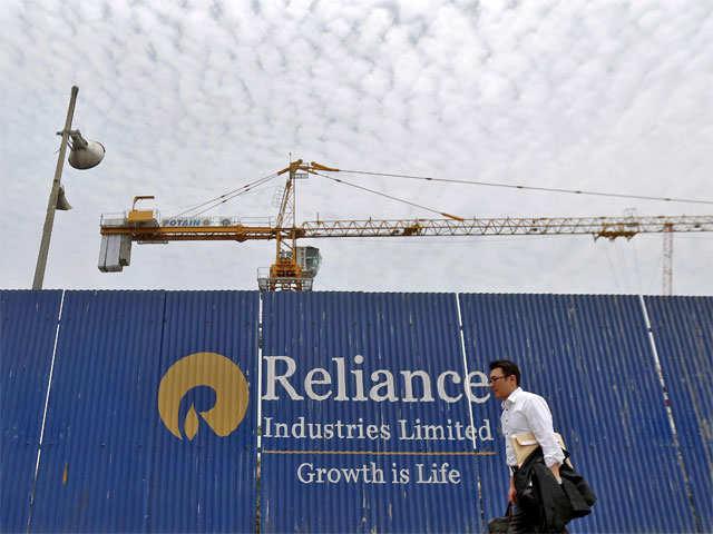RIL shares rise after firm raised $800 million via bond sale