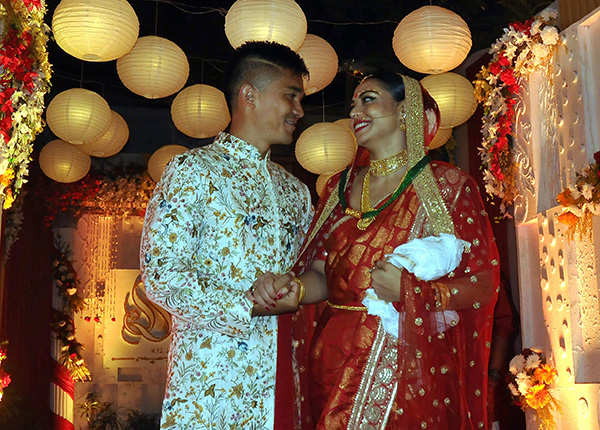 ​Sunil Chhetri ties the knot; Mamata Banerjee, Chuni Goswami drop by to wish the couple