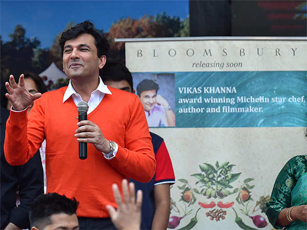 Vikas Khanna may have set up shop in NY, but he feels chefs in India have a unique opportunity