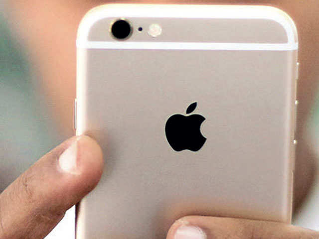 Apple, Indian govt wrangle over import tax on mobile phone parts thumbnail