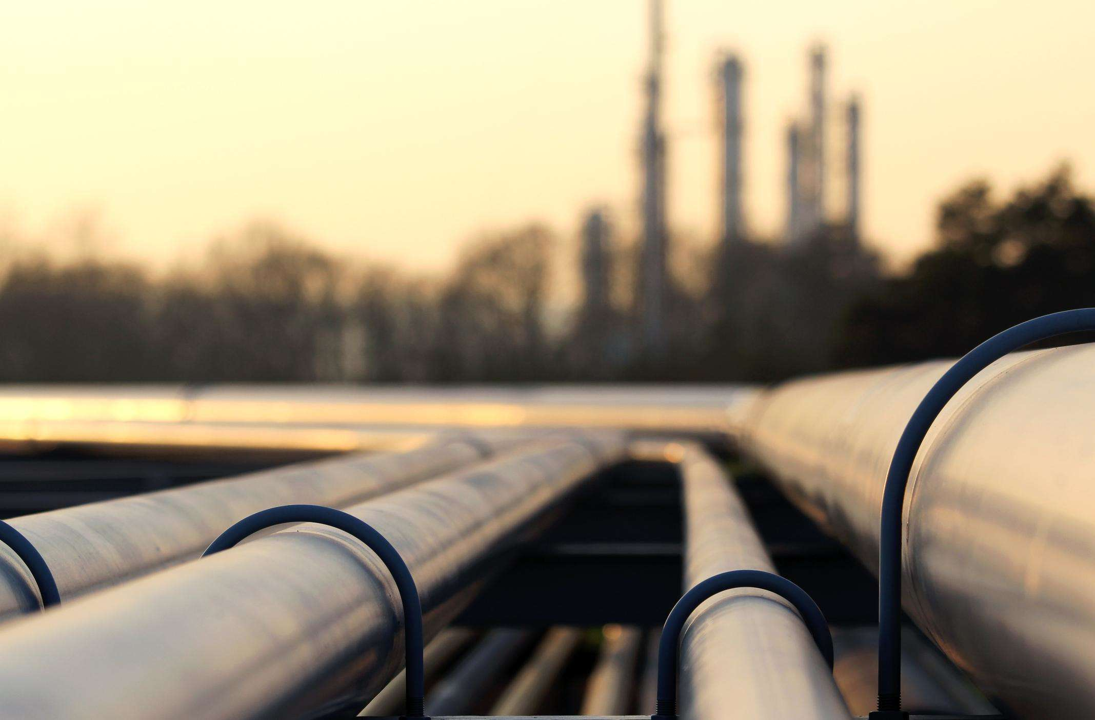 Oil prices up on lower US crude stocks, but growing output caps gains thumbnail