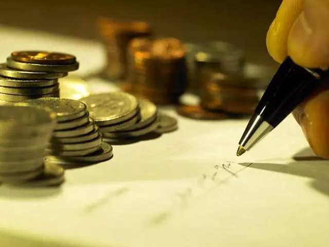 Mutual funds add Rs 1.06 lakh crore in January thumbnail