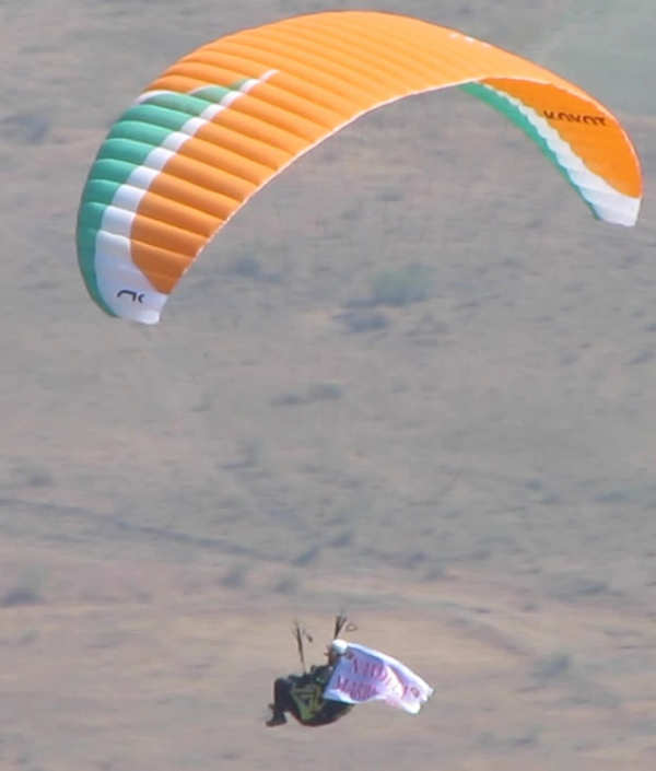 How ItzCash's Bhavik Vasa combined paragliding and marriage proposal for his now wife Nandita