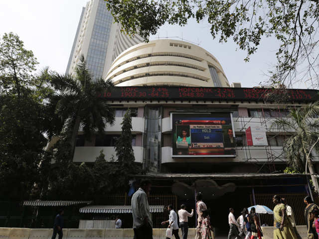 Sensex, Nifty fall for 3rd day; bank stocks, rising yields weigh