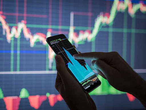ETMarkets Evening Podcast: Market back in red, should you stay put?