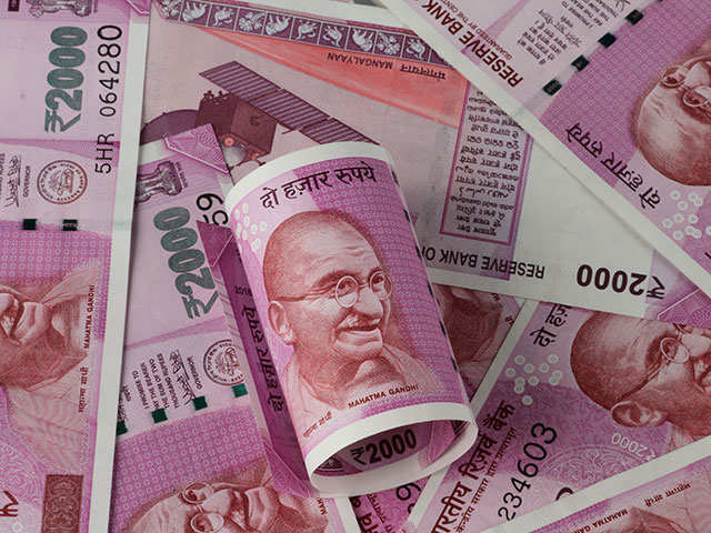 Rupee slides 23 paise to 1-week low of 65.17 on Fed rate concerns thumbnail