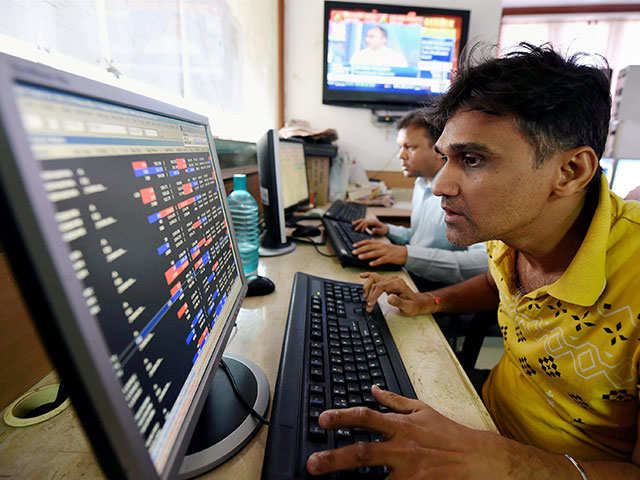 Sensex rises after 5 days, Nifty50 reclaims 10,100; IT, pharma stocks rally