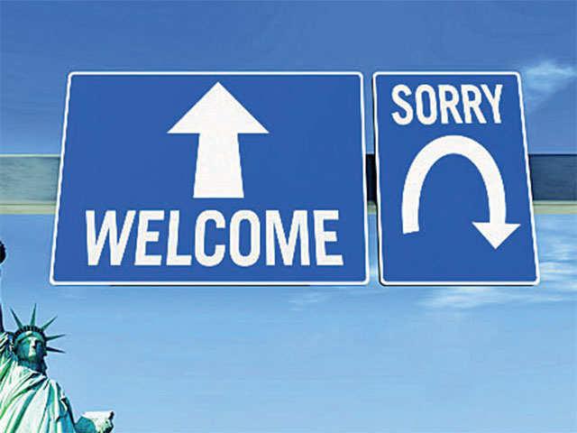 US suspends premium processing of H-1B visa petitions thumbnail