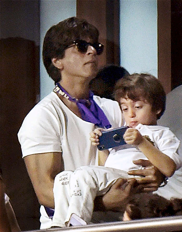 IPL 2018: Shah Rukh Khan spends quality time with children Suhana and AbRam during KKR match at Eden Gardens