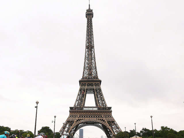 How to enjoy a holiday in Paris? Just walk