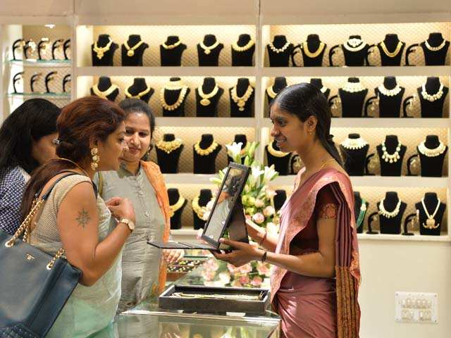 Gems are collateral damage as India bank fraud hurts exports thumbnail