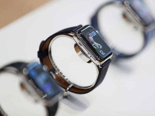 Apple to revamp watchOS, may welcome third-party face support