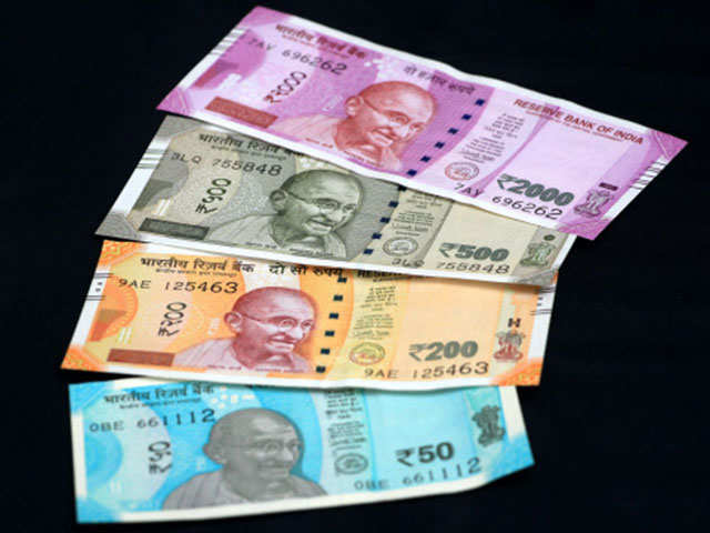 Currency shortage spreads to more states thumbnail