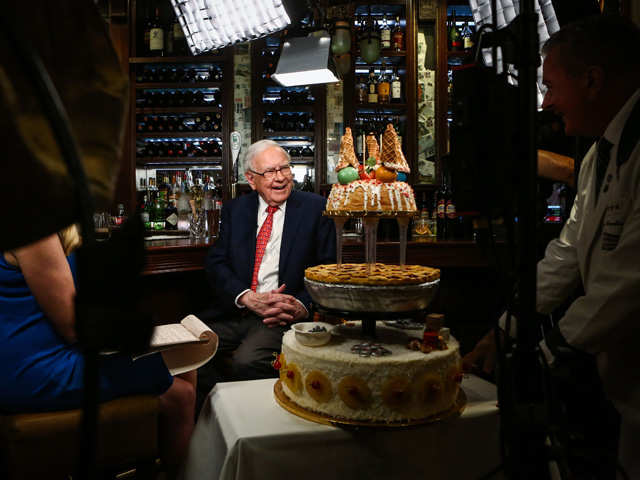 The other Buffett: The good host in the Mecca of investors thumbnail