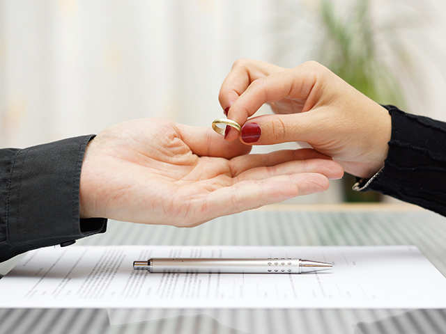 Divorce can be fatal, stay away from smoking