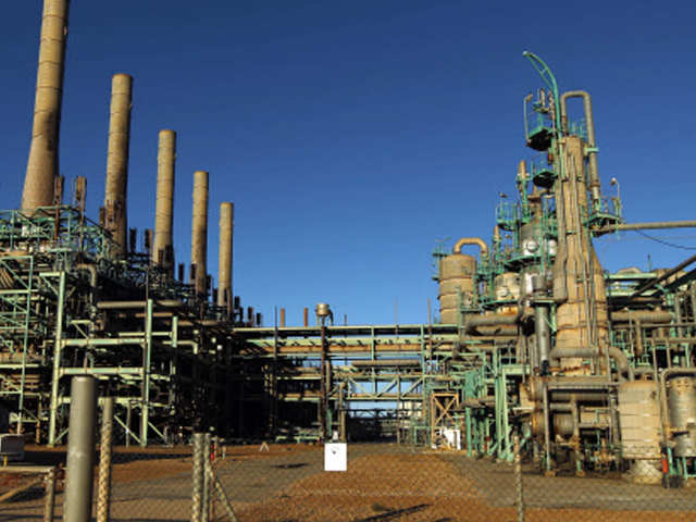 Abu Dhabi oil giant signs pact to take stake in Ratnagiri refinery project thumbnail