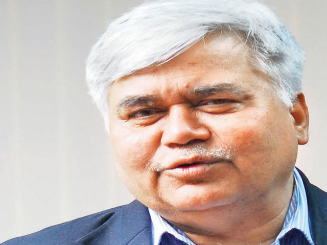 TRAI chief R S Sharma defends pesky calls rules, says has mandate to save customers thumbnail