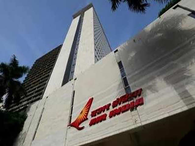 Snag in Air India rostering system sends duty messages to retired, quit and dead crew members thumbnail