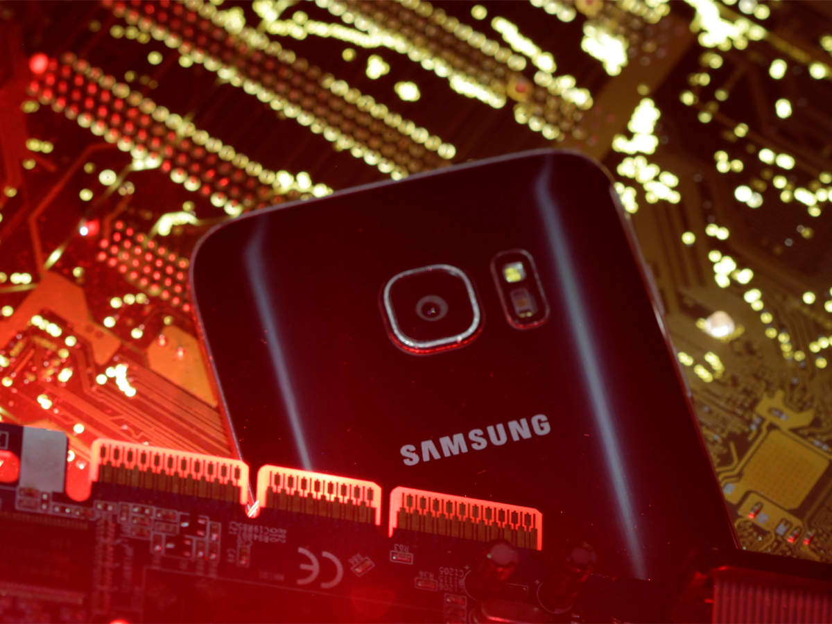 Samsung Galaxy S7 smartphones vulnerable to hacking: Researchers thumbnail