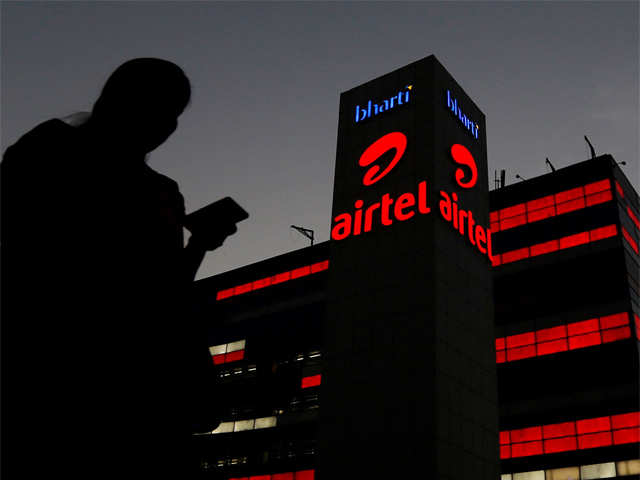 SC issues notice to Airtel on Aircel plea seeking Rs 453 crore dues thumbnail
