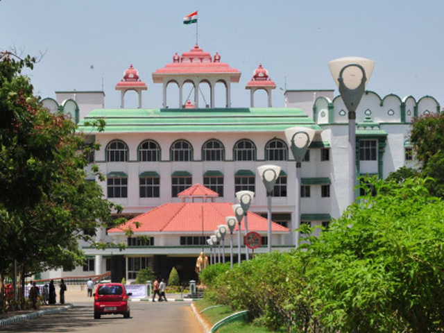 Faculty cannot pursue full time course while teaching: Madras HC thumbnail