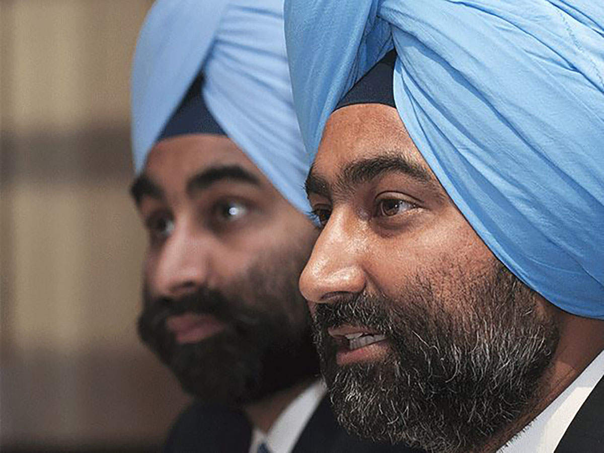Shivinder Mohan Singh withdraws NCLT petition against brother Malvinder Singh thumbnail