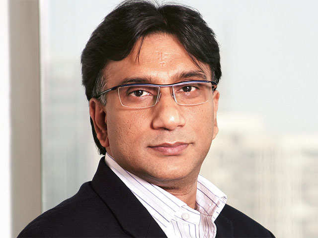 Govt may have to sacrifice growth to reduce fiscal deficit: Jahangir Aziz, JPMorgan thumbnail