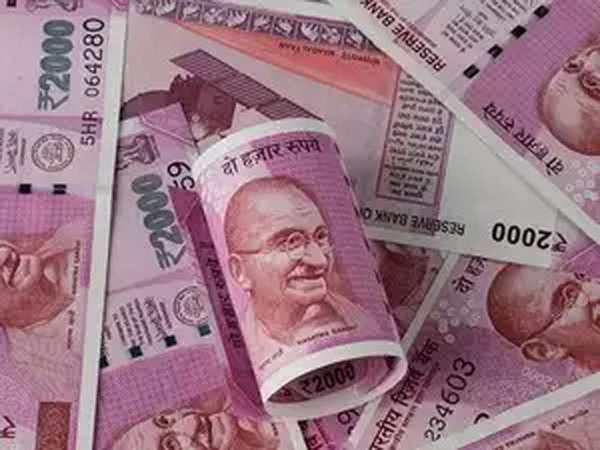Falling rupee may not spoil festivals yet thumbnail