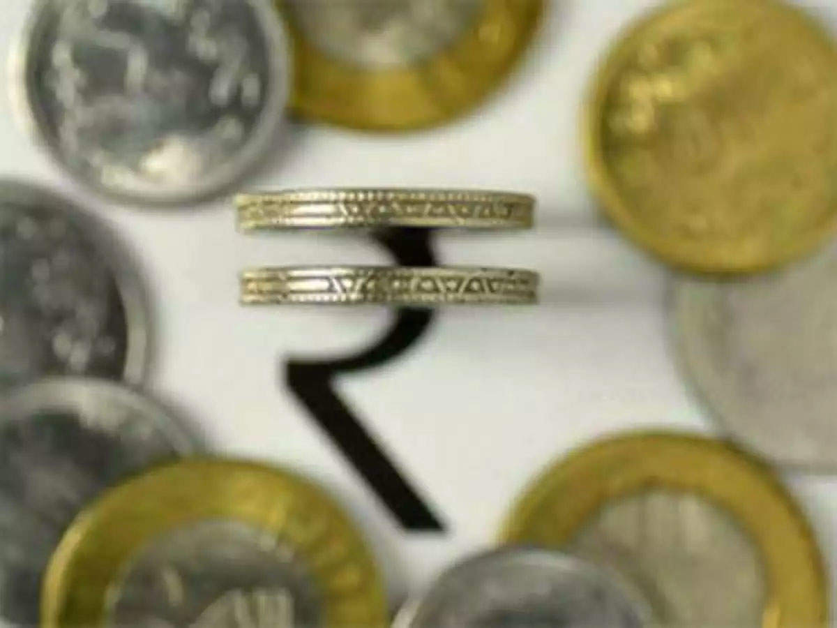 Sagging rupee may spur price hike by Toyota, Mercedes-Benz thumbnail