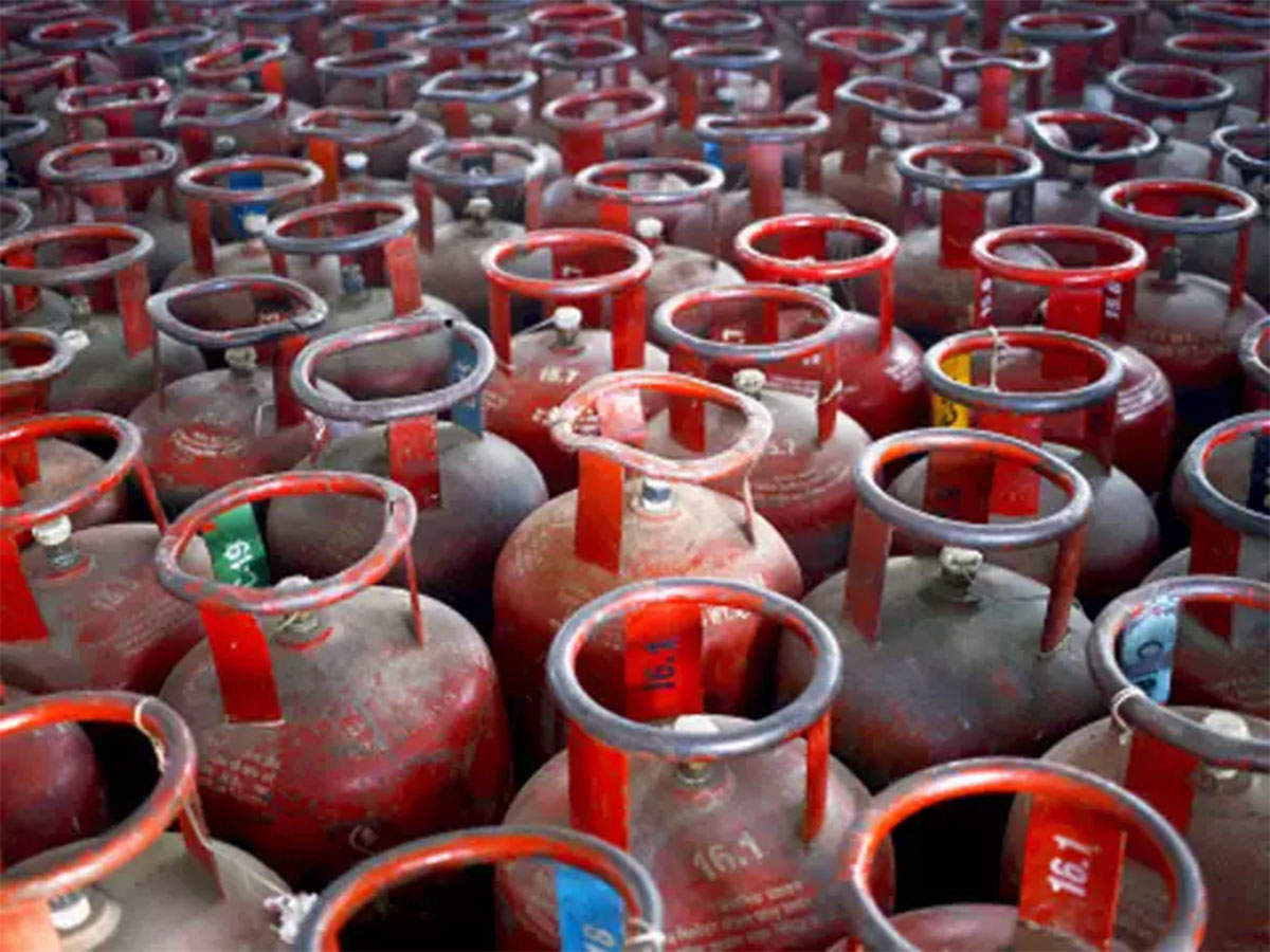 5f7405b46 Rocketing oil prices have pushed up the domestic rate of non-subsidised  cooking gas by Rs 389 a cylinder