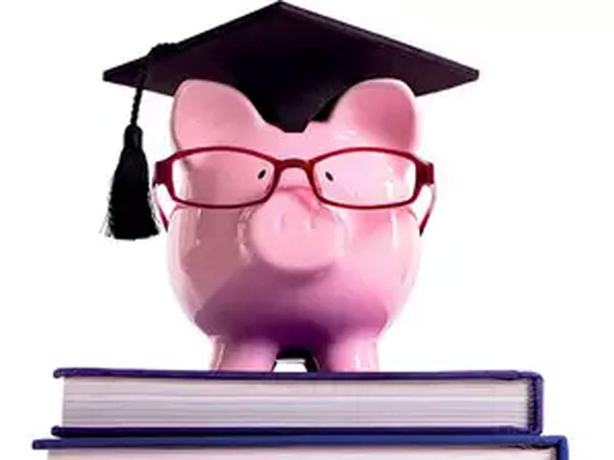 Bank vs NBFC: Keep these factors in mind while taking an education loan thumbnail