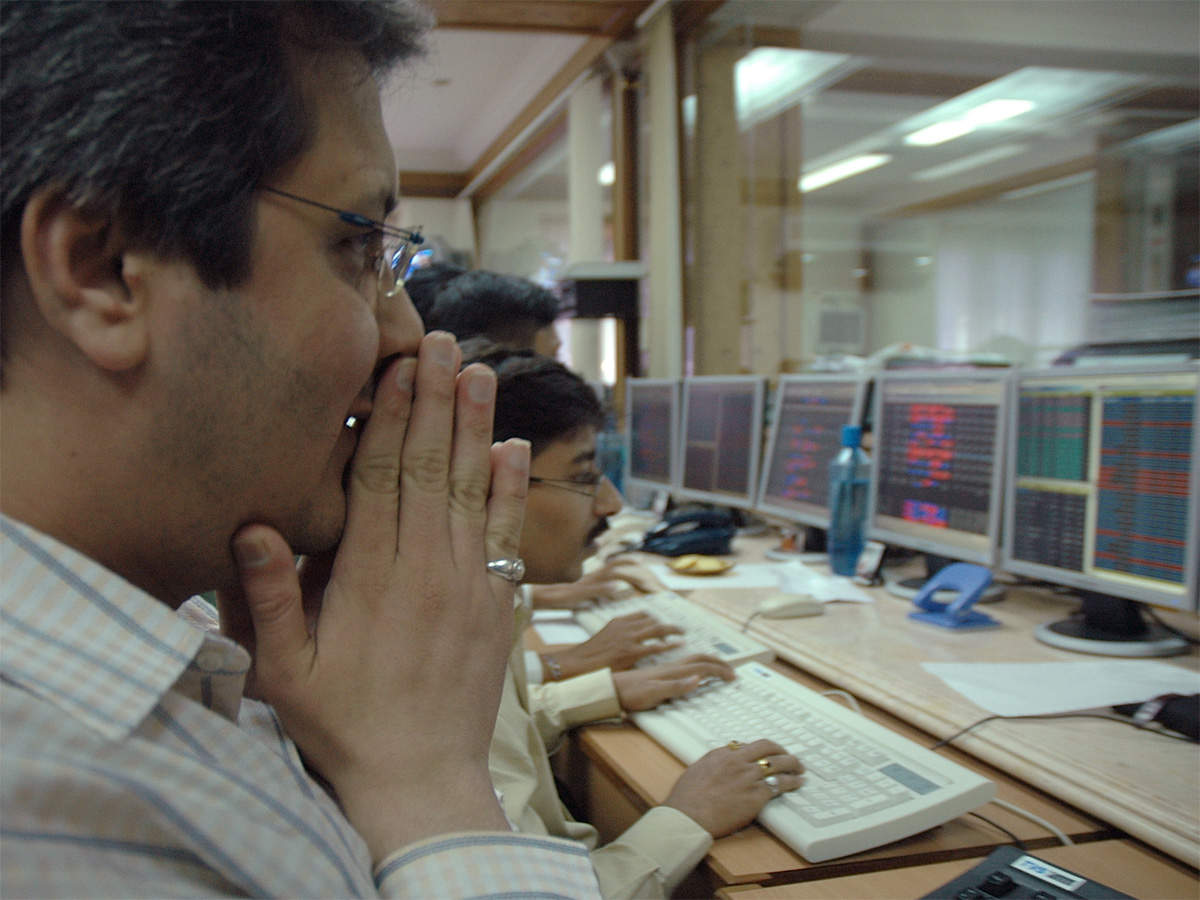 Stock market crash: Investors lose Rs 4 lakh crore in wealth in 5 minutes thumbnail